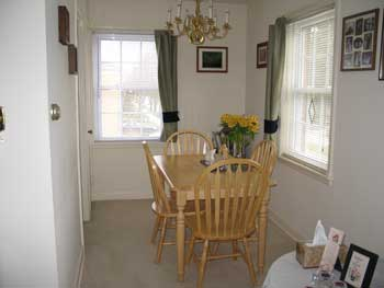 Apartment for rent in Cedarburg WI - dining area